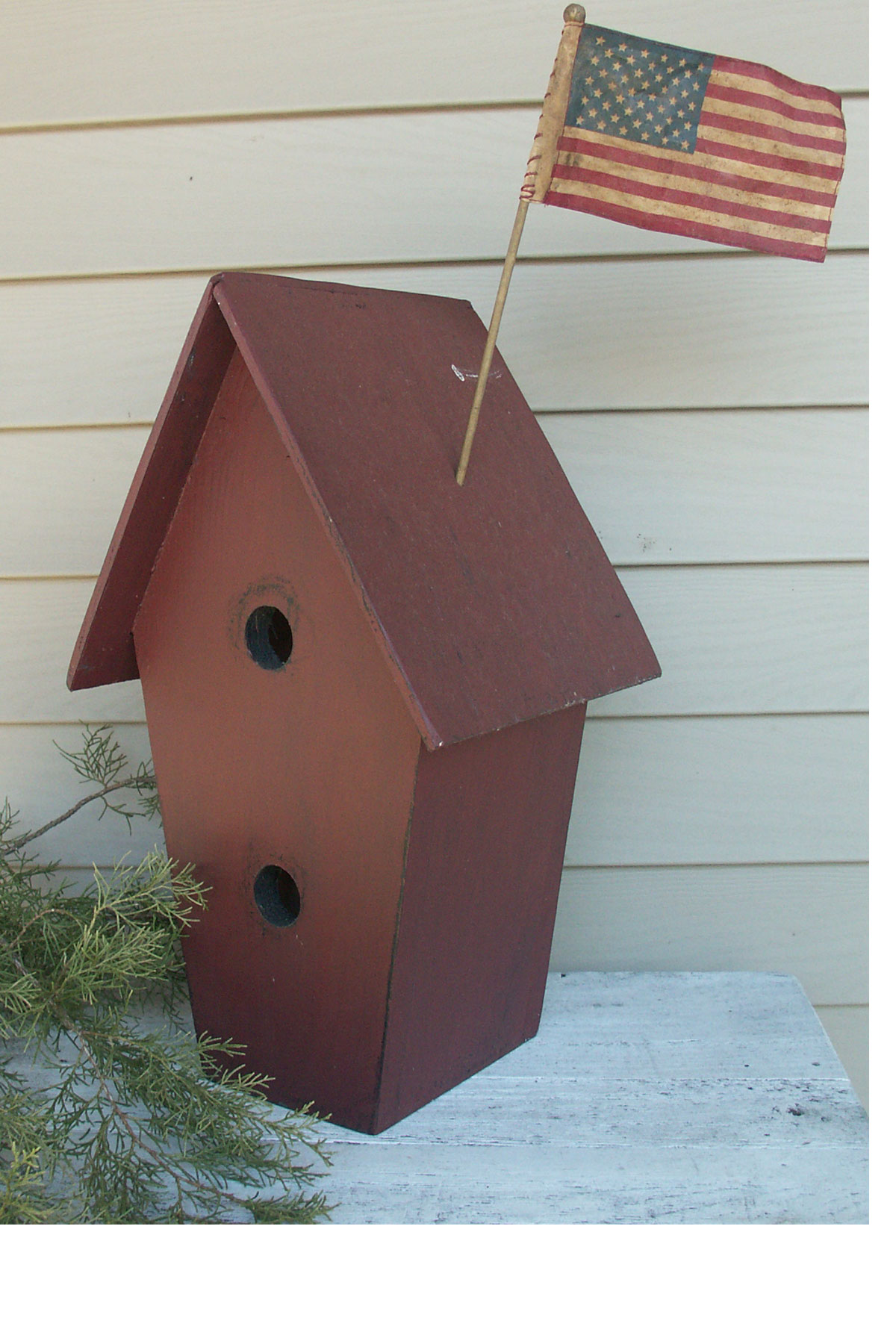 WN110 Old Large Birdhouse