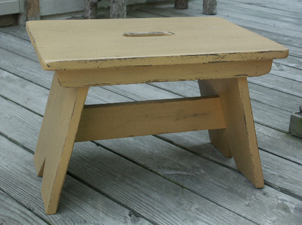 WN118 Primitive Kitchen Stool